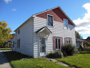 1.5 STOREY WITH SINGLE DETACHED GARAGE