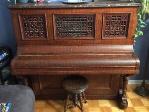 piano antique de 1880, very old piano J & C Fischer New York