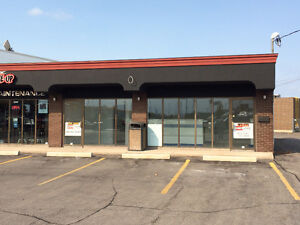 One of Niagara's Busiest Intersections-Commerical Unit Available