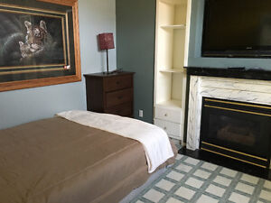 nice rooms near east super store for long & short term stay