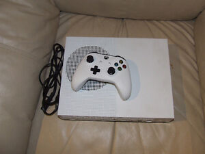 X-BOX ONE S, 1 TB ,12 GAMES