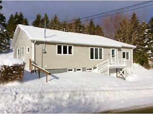 Great Year Round Home In Whitbourne 1.35 Acres