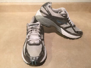 Women's Brooks Glycerin GTS GO 2 Series Running Shoes Size 11 London Ontario image 7
