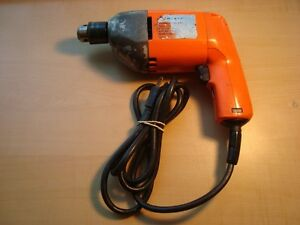 "Black and Dcker 3/8"" Variable speed power drill, good condition"