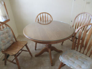 Roxton Oak Dining Room Table And Chairs
