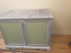 SOLID WOOD BUFFET/SIDEBOARD/STOREAGE CABINET