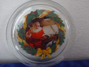 "Indiana Glass Coca-Cola Good Boys and Girls Santa 13"" Platter"