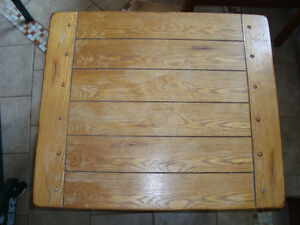 colonial side table $65.00 OBO Cambridge Kitchener Area image 1
