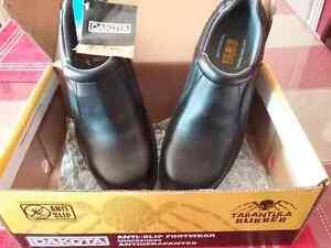 Dakota safety shoes. London Ontario image 1