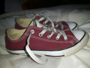 Converse all star sneakers youth size 2 u.s.