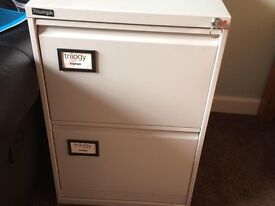 Metal 2-drawer filing cabinet with lock