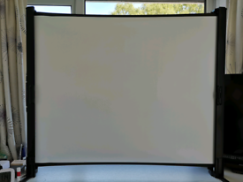 Epson ELPSC06 Portable Projector Screen & Carry Case