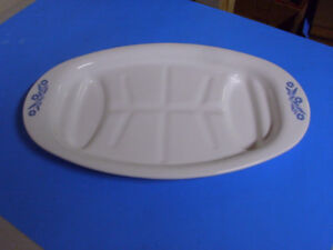 VINTAGE CORNING WARE CORNFLOWER MEAT PLATTER 16 1/2 INCHES LONG