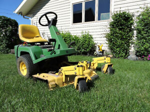 Front mower lawn tractor