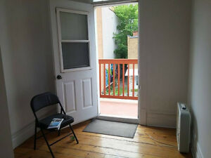 640 Lower Plateau Hydro included - looking for roomate