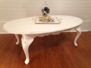 ~Chalkpainted classic oval coffee table~ Moose Jaw Regina Area image 1