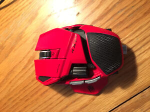 R.A.T. 9 wireless gaming mouse with stock accessories