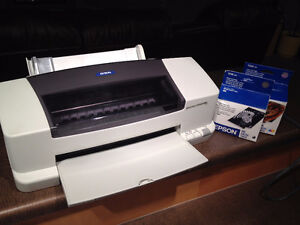 Epson 880 Colour Printer, and extra ink cartridges