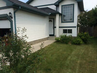 3-BEDROOM SUITE FOR RENT IN SE DOUGLASDALE!!   HOUSE / HOME