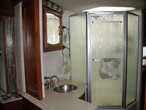 JUST REDUCED - 2002 FLEETWOOD RV EXCURSION DIESEL PUSHER - 39 FT St. John's Newfoundland image 5