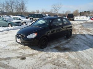 2011 HYUNDAI ACCENT SPORT 2DR BLACK IN COLOR $3995 PLUS HST