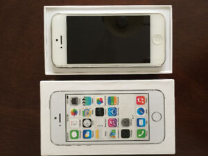 MINT CONDITION IPHONE 5 64G UNLOCKED NEW BATTERY