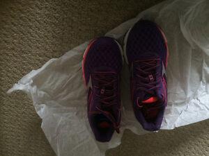 Brand new Women's  Mizuno Wave Inspire 12 running shoes Edmonton Edmonton Area image 2