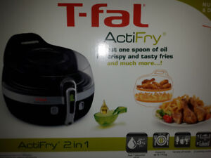 T-Fal Actifry Top of the Line 2 in 1  Large Capacity Brand New