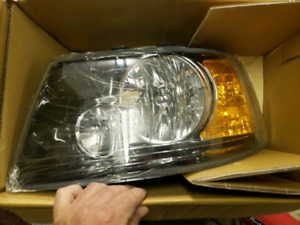 Ford F-150 2004 to 2008 brand new aftermarket headlights ht