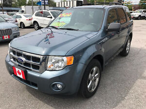 2010 Ford Escape XLT 4X4 SUV...LOW KMS...PERFECT CONDITION