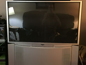 Hitachi 51F510 rear projection TV