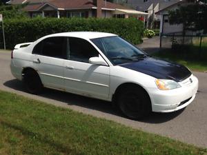 Honda Civic 2001  4 portes  600$