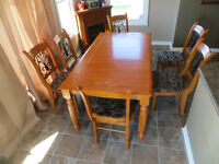 Wooden Kitchen or Dining Room Table and 6 Chairs