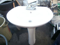 1 ceramic white sink wall and foot mount just sink asking $70 45