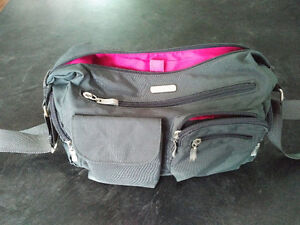 Grey Baggallini with pink lining
