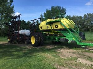 Seedhawk 48' 12 with John Deere 430 1910 cart