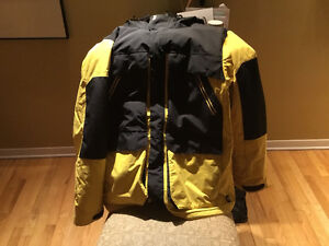Armada black and yellow jacket top condition