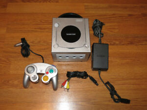 Nintendo Gamecube System Platinum Silver with Controller & Cords
