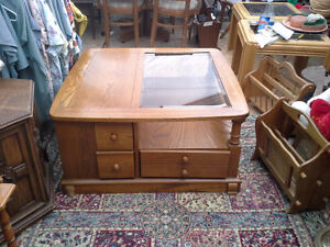 wicker style entrance table $50.   oak coffee table $100. Sarnia Sarnia Area image 2