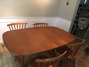 Kitchen table  London Ontario image 4