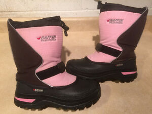 Girls Baffin Winter Boots Size 4 London Ontario image 1