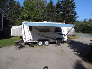 2009 Rockwood Roo Hybrid Camper Trailer (Tow with SUV)