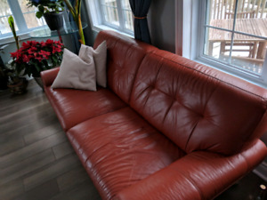 3 yr old Retro Couch from Leons brand new condition
