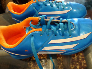 Adidas Women/girl Indoor Soccer Shoes size 5 and 6. 2 pairs.