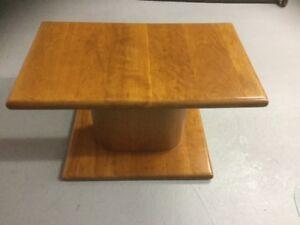 Table de salon en bois