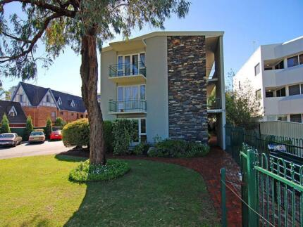 Apartment facing Kings Park and Swan River short walk to city South Perth South Perth Area Preview