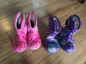 Toddler Bogs size 8, pink and purple twins