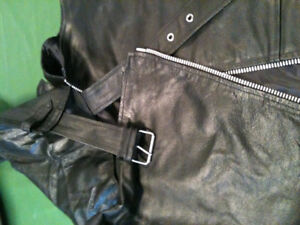 leather chaps size 40 long   5X  used a few times