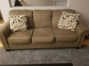 Very Good Condition Matching Ashley Furniture Couch And Loveseat