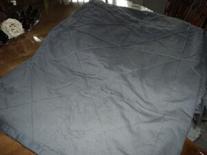 Couvre-couette gris moyen pour lit King (ou grand lit édredon)